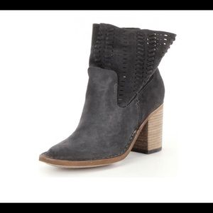 DOLCE VITA   Landon slouchy perforated bootie 9